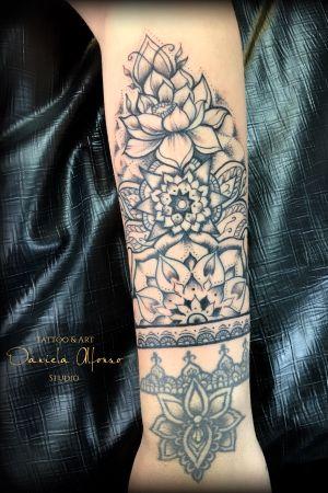 Mandala Sleeve! #mandalatattoo #mandaladesign #loto #lotoflower #Black