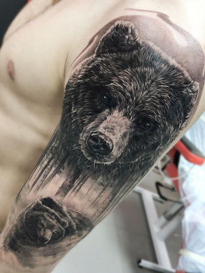 #bear #forrest #realism #realistic #blackandgrey #animal #wild #madmamont