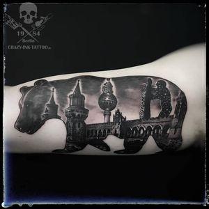 So das #berlintattoo mit Wahrzeichen ist fertig...⠀⠀⠀⠀⠀ . noch kurzfristig Termine frei ... . 📷@crazy.ink.tattoo.berlin . Infos wie immer 017627112764 auch . https://crazy-ink-tattoo.de . https://facebook.com/crazy.ink.tattoo.berlin . https://instagram.com/crazy.ink.tattoo.berlin . https://plus.google.com/+CrazyInkTattooBerlin . . . . #tattoo #tattoos #berlin #tattooberlin #berlintattoo #tattoomoabit #crazyink #crazyinkberlin #crazyinktattoo #crazyinktattooberlin #realistictattoo #tattoist #bodyart #berlintattooartist #berlintattooartists #classpen #worldfamousink #tattooart #tattooideas #blackngrey #blackandgreytattoos #beartattoo #berlinbear #berlintattooer #tattoomoabit #realistiktattoo #realismtattoo #silhouettetatto #tattooshopberlin