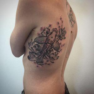 #photooftheday #tattoo #carpekoi #carpekoitattoo #koitattoo #koi #koicarp #koicarptattoo #sakuratattoo #sakura #lotus #lotustattoo #dot #dots #dottattoo #dotworktattoo #dotwork #dotworker #stipple #stippletattoo #petitspoints #lespetitspointsdefanny #tattoolausanne