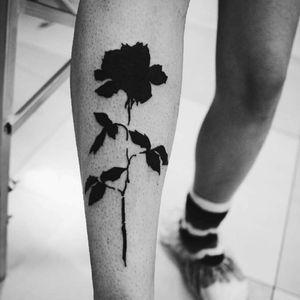 #blackwork #blackworktattoo #darkartists #tattooersubmission #blacktattooart #undergroundtattooist #medusaink #rose