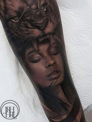 lady and lion tattoo by jieny rh #jienyrh #realism #lion #lady #portrait #tattoosondarkskin #blackandgrey #animal