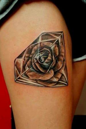 #diamondtattoo #rose