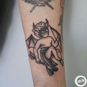instagram.com/lariink #blackwork #blacktattoo #dotwork #boldline #pontilhismo #tatuadorasbrasileiras #tatuadorasdobrasil #tattoosp #tattooartist #femaletattooartist #tattooart #blacktattooing #blackworkers_tattoo #blackworkersbr #pointillism #lariink