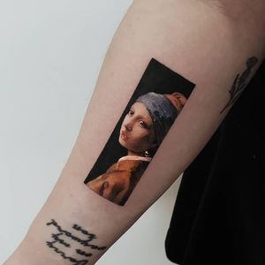 Tattoo by Ziho #Ziho #coolesttattoos #cooltattoo #favoritetattoo #besttattoo #color #painting #fineart #famouspainting #girlwithapearlearring #vermeer