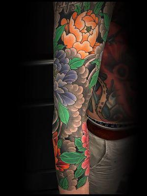 Tattoo by Matt Beckerich #MattBeckerich #Japanese #Irezumi #FountainheadNY #flowers #floral #peony #clouds