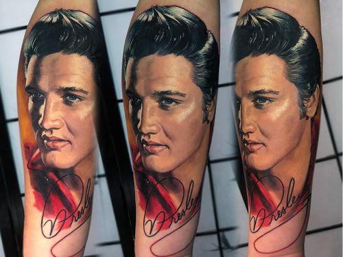Tattoo by Valentina Riabova #ValentinaRiabova #musiciantattoos #musician #portrait #music #color #realism #realistic #hyperrealism #Elvis #ElvisPresley