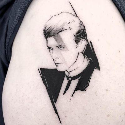 Tattoo by Silvia Gonzalez Pons #silviagonzalezpons #musiciantattoos #musician #portrait #music #blackandgrey #illustrative #DavidBowie #glam