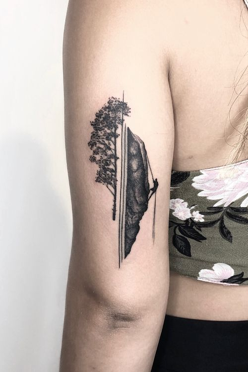 #minimalist #art #tattooartist #fineline #graphic #geometric