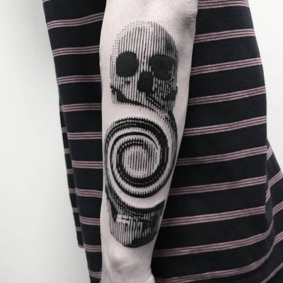 ROME RESIDENT @dharmatattooroma NEXT STOP MILANO Febbraio @milanotattooconvention MONTECATINI TERME @lighthaus.tattoo BARCELONA Febbraio @family_art_tattoo Eseguito con @delight_tattoo_needles#delightneedles e @delight_needle_cartridges #delightcartridges #rome #roma #tattoo #passion #tattoolife #dotwork #tattooartist #barcelona #blackwork #realistictattoo #tattooartist #blacktattoo #blackworkers #art #tatts #tattoos #tatuaje #tatuajes #bcn #barcelona