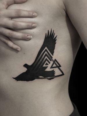 #eagle #triangle #eagletattoo #trianglestattoo #geometric #geometry #geometrictattoos #blackwork #dotwork #blacktattoo #blackworksubmission #blackworkers #tattoed #blacktattooing #btattoing #blackink #inked #tattoo #gdansk #xystudio