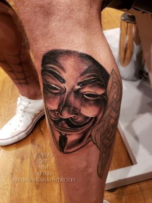 Grayscale (black and gray) Guy Fawks mask by @Veronicahahntattoo