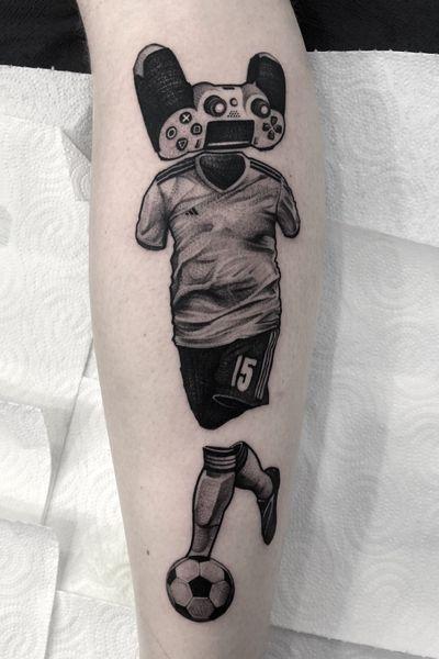 #art #tattooartist #tattoo #tattoos #graphic #ink #inked #tattooed #tattooer #tattooart #photooftheday #blackwork #illustation #tattoopeople #tattoolife #fifa #Football