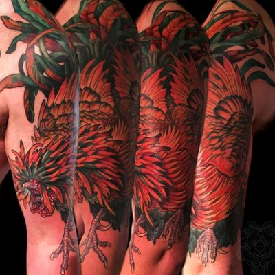 Golden polish on Vince. #rooster #cock #chicken #bird #neotraditional #tattooartist #illustrative #color #milwaukee #chicago #wisconsin #halfsleeve #tattooart #tattoo