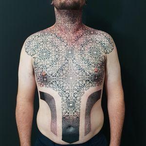 Super tough client Swirlywanxsinatra@gmail.com #tattoo #blackandgrey #mandala #dotwork #lanternandsparrow #brisbane #brisbanetattoo #blackworktattoo #blackwork #geometrictattoo #geometric #sydneytattoo #sydney #australiantattoo #ritalinpower #brisbaneartist #btattooing #brisbanetattooartist
