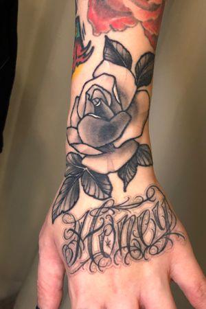 #rose tattoo @ssab_tattooer #scripttattoo #chicanoletters #tattoomodels #koreatattoo #seoultattoo