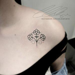 #minimal #minimalism #minimalistictattoo #simpletattoo #delicatetattoo #girlswithtattoos #collartattoo #tattoos #tattooing #tattoos #tattooartist #tattoosofinstagram #linework #patternwork