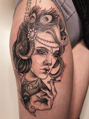 Tattoo by Jen Tonic #JenTonic #awesometattoos #tattoodoapp #tattoodoappartists #blackandgrey #portrait #ladyhead #1920s @flapper #cigarette #smoke #lady #jewelry #ornamental #feathers