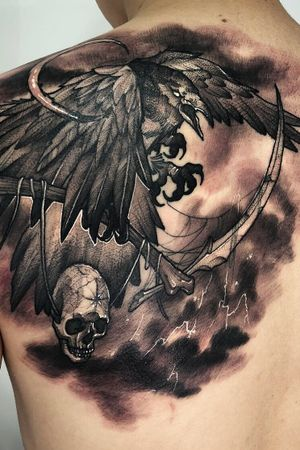 #tattoodetail #raventattoo #crowtattoo #tattoodesigns #tattooflash #blackink #solidink