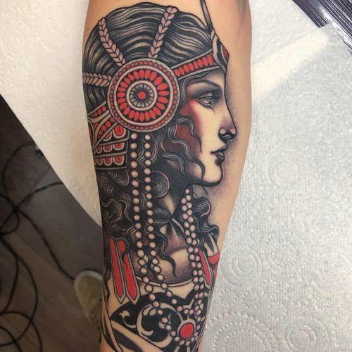 Tattoo by Lynn Akura #LynnAkura #awesometattoos #tattoodoapp #tattoodoappartists #portrait #neotraditional #ornamental #ladyhead #crown #jewelry