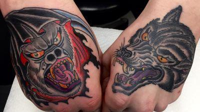 Healed 🐺 ⠀ And fresh 🦍 looking fantastic on my man Kappu!⠀ Take care of them!🌈🙌⠀ ⠀ For Tattoo appointments 📩 maat.nec@gmail.com ⠀ #gorilla #wolf #gorillatattoo #wolftattoo⠀ #TATTOODO #berlin #Berlin #blackfisktattoo #matteoturcato #d_world-of-ink #tattooartinberlin #Nyc #paristattoo #tattoomagazine #tattoolife #tattooitalia #germantattooer #italiantattooer #berlintattoo #TAOT #tttism #kreuzbergtattoo #Friedrichshain #leipzig #vicenza #vicenzatattoo