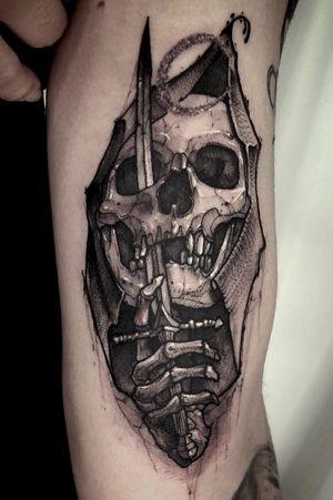 Skull sword #swordtattoo #daggertattoo #lineworks #dotstattoo #dotsworks