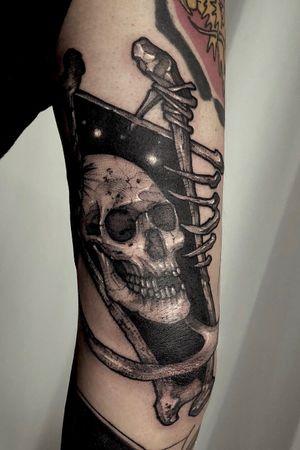 Skull dream. #angeltattoo #skulldream #whitetattoo #tripleblack #dynamicink #blackworker