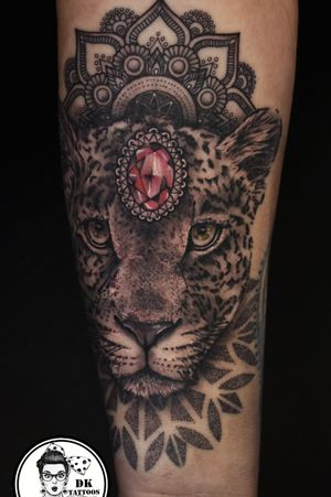 Leopard with diamond and mandalas 💎🐆😍 So relaxing session with Martyna ;) Thank you for trusting me ;) #dktattoos #dagmara #kokocinska #coventry #coventrytattoo #coventrytattooartist #coventrytattoostudio #emeraldink #emeraldinkltd #dagmarakokocinska #leopardtattoo ##diamondtattoo #mandala #mandalatattoo #mandaladesign #mandalatattoos #dotwork #tattoo #tattoos #tattooideas #tatt #tattooist #tattooshop #tattooedgirl #tattooforgirls #killerbee #immortalinnovations #dynamictone