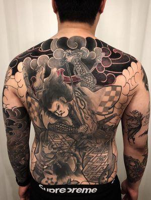 #backpiece #samuraitattoo #japanesestory #progresstattoo #tattooing #fullbody #bodysuit #greywash