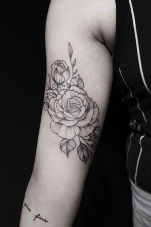 Fineline blackwork flower
