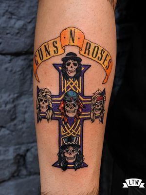 Tattoo by Andres Pojan #AndresPojan  #rockandrolltattoos #musictattoo #rockandroll #music #70s #80s #famous #portraits #GunsNRoses #cross #celticknots #banner #slash #axlrose