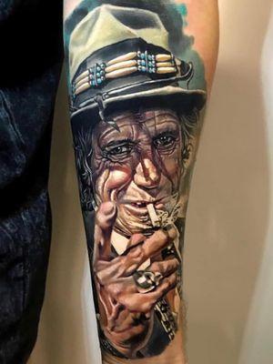 Tattoo by Kristian Kimonides #KristianKimonides #rockandrolltattoos #musictattoo #rockandroll #music #70s #80s #famous #portraits #color #realism #realistic #Rollingstones #keithrichards
