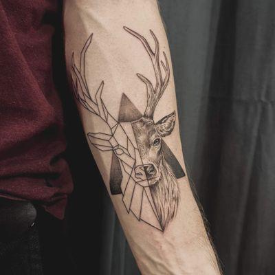#deertattoo #geometrictattoo #deer #geometry #tattoodeer
