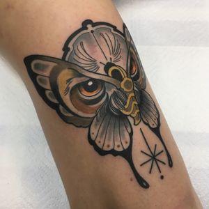 #fog_ars #ink #tattoo #traditional #traditionaltattoo #neotraditional #neotrad #neotradeu #neotradsub #neotraditionaltattooers #ntgallery #neotradtattoo #evolvedmagazine #tttism #tattoodo #owl #butterfly