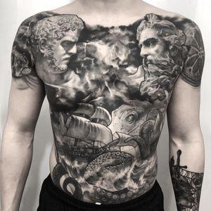#blackandgrey #bodysuit #kracken #shiptattoo #statue #thunder