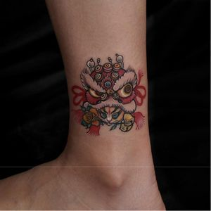 Tattoo by Heisong #Heisong #ChineseTattoos #ChineseNewYear #LunarNewYear #Chinese #chineseart #China #cat #shishi #foodog #bells #rose #color