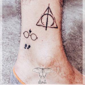 Seipha @larucheparistatouage #tattoo #tattoos #smalltattoo #tattooed #tattoist #art #blackwork #small #graphique #minitattoo #prince #tattooed #tatted #tatts #graphicdesign #minimalism #eyes