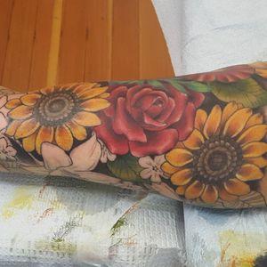 Progress shot of a floral sleeve #tattoo #tattoolife #tattooart #sunflowertattoo #envyneedles #rosewatertattoo #tattoos #tattooartist #art #ink #inked #lynntattoos #inkedmag #portland #portlandtattooers #portlandtattoo #pdx #pdxartists #pdxtattooers #pdxtattoo #tattooed #tatsoul #fusiontattooink #fkirons #bestink #vegan #tattoosnob #floraltattoo #crueltyfree #floralsleeve