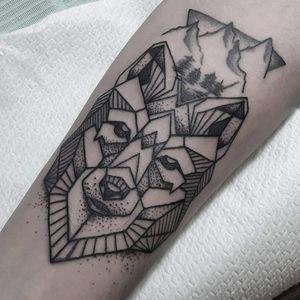 #wolf #ornamental #graphictattoo #inkedmuscles #tattooandfitness #bodyandsoul #italiantattoer #tatuaggipadova #tatuaggi #sacredtattoo