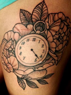 I just got this tattoo on my left leg. It is not finished yet. #scars #coverup #scarscoverup #roses #clock