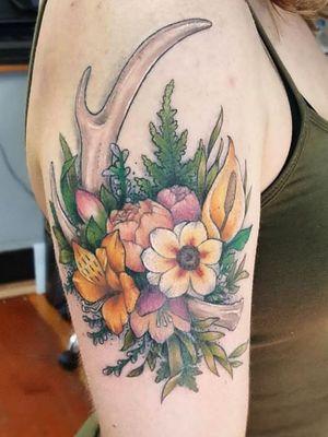 Pacific Northwest floral bouquet #tattoo #tattoolife #tattooart #saniderm #envyneedles #rosewatertattoo #tattoos #tattooartist #art #ink #inked #lynntattoos #inkedmag #portland #portlandtattooers #portlandtattoo #pdx #pdxartists #pdxtattooers #pdxtattoo #tattooed #tatsoul #fusiontattooink #fkirons #bestink #vegan #tattoosnob #flowers #crueltyfree #eternalink