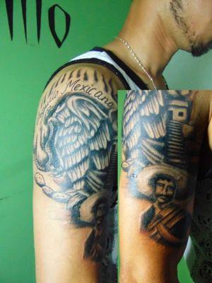 Eagle of the Mexican flag. pyramid. black and gray. Aguila de la bandera mexicana. Orgullo mexicano.