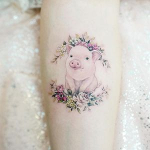 Tattoo by Tattooist Banul #TattooistBanul #Banul #pigtattoos #pig #piggy #yearofthepig #animal #nature #color #flowers #floral #cute #realism #realistic