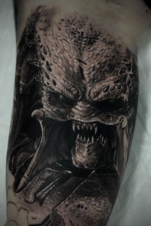 #predator #movie #horror #blackandgrey #realism #madmamont