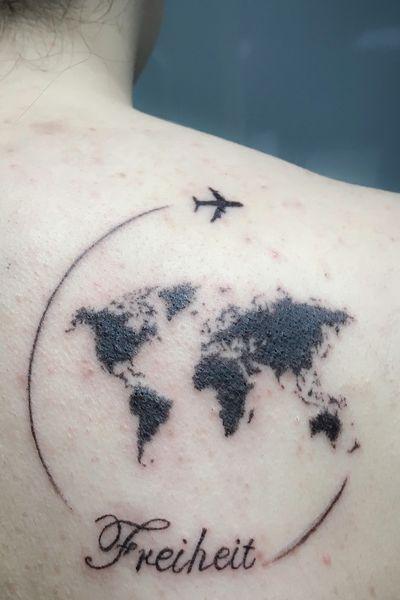 #fineline #worldmap #worldmaptattoo #world #worldtattoo #travel #traveltattoos