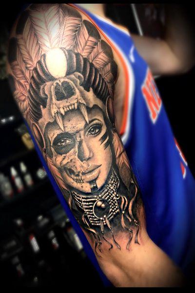 Guivy Hellcat - Art For Sinners - Geneva #guivy #tattoo #geneve #geneva #switzerland #tatouage #suisse #tatoueur #portrait #feather #tatuaje #tatuagem #indian #cheyenne #apache #nativeamerican #girl #inspiration #realism #blackandgrey #sleeve #sleevetattoo #TattooSleeve #bras #manchette