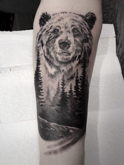 instagram.com/krismengiotattoo #krismen #tattoo #blackandgrey #realism #realistic #kharkov #ukraine #bear #wood