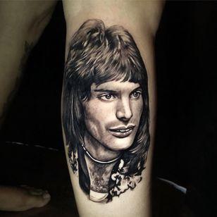 Tattoo by Lloyd Nakao #LloydNakao #queentattoos #queen #freddymercurytattoo #freddymercury #bohemianrhapsody #rockandroll #musictattoo #realism #realistic #blackandgrey