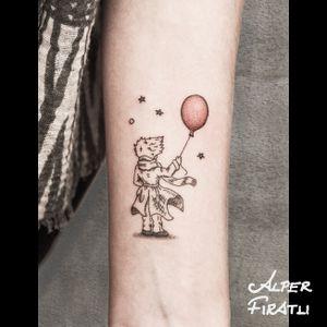 The Little Prince... . #littleprince #thelittleprince #lepetitprince #balloon #redballoon #linework #tattoo #tattooartist #minimaltattoo #blacktattoo #tattooidea #art #tattooart #tattoooftheday #tattoostagram #ink #inked #minimal #customtattoo #customdesign #tattooist