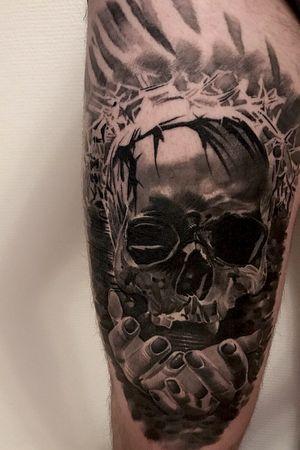 #intenzepride #fkirons #inkeeze #sullen #realistictattoos #skulltattoo #skulls #skull #hands #tattoodo #tattooartistmagazine #tattoo #tattoos #tattooart #TattooistArtMagazine #thebestspaintattooartists #thebesttattooartists